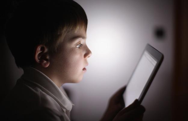 kid-tablet-usage